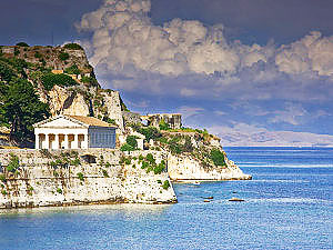 Hellenic-temple-at-Corfu-island,-Greece